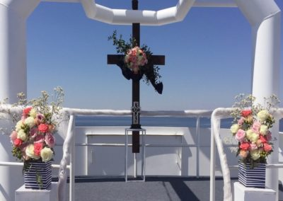 Our wedding planners know the right flowers that will stay secure and beautiful for your yacht wedding.