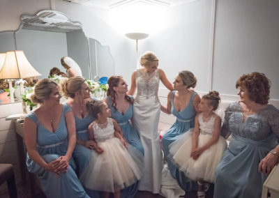 Prepare for the big day on the SOLARIS private bridal suite.